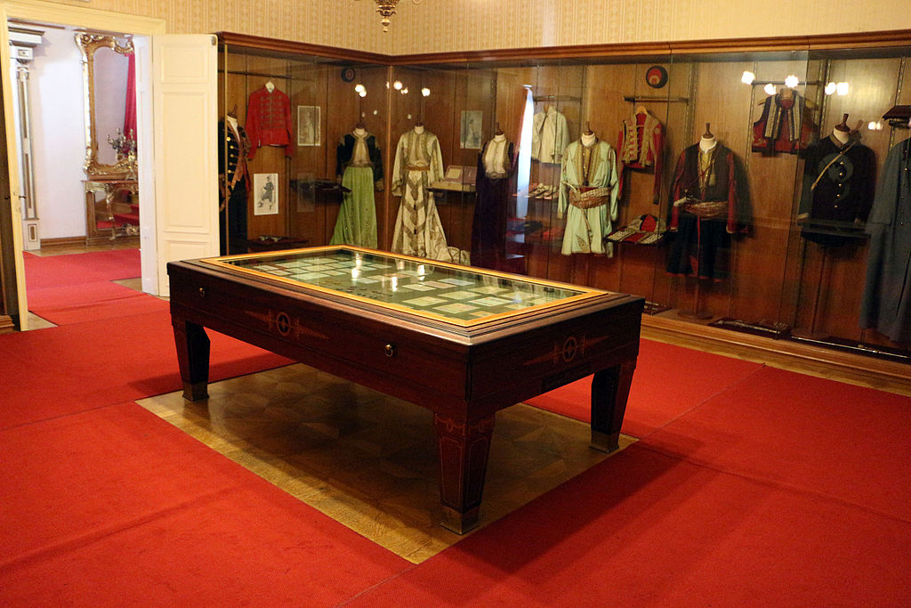 Cetinje, palazzo di re nicola, 01.JPG