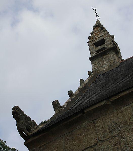 Chapelle Notre-Dame-de-Vérité (Caudan): détail de la bordure sud-ouest de la toiture