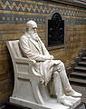 Charles Darwin statue 5665r.jpg