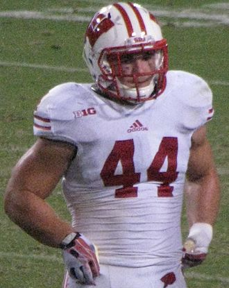 Chris Borland - Borland with the Wisconsin Badgers in 2013