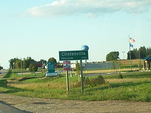 Looking north at the DOT sign for Clintonville...
