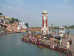 Clock Tower, at Har-ki-Pauri, Haridwar.jpg