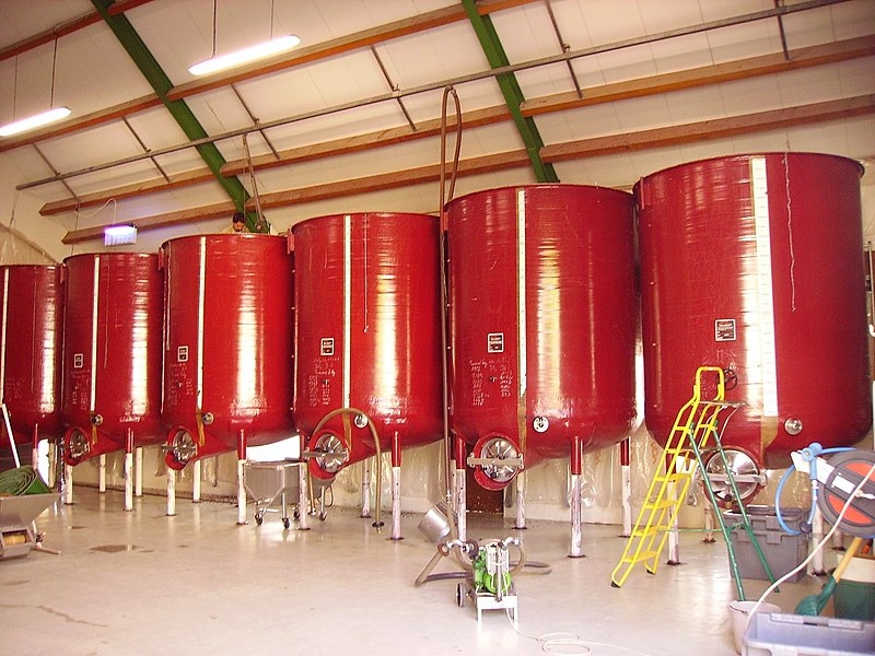 File:Composite fermentation tanks.jpg