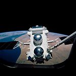 Compton Gamma Ray Observatory grappeled by Atlantis (S37-99-056).jpg