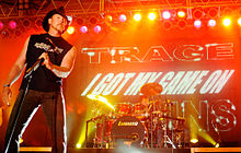 Country music star Trace Adkins on stage.jpg