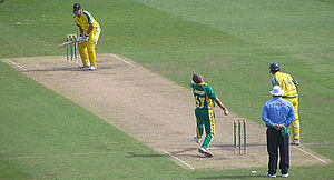 Andrew Symonds - Andrew Symonds batting against South Africa in 2006