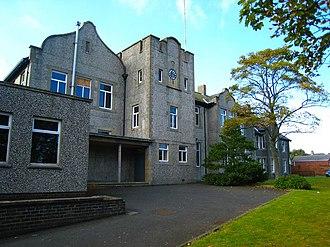 Bangor Grammar School - College Avenue site (1905–2012), building in foreground is Crosby House.