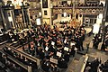 Das große Symphonieorchester in der Ordenskirche St. Georgen in Bayreuth.jpg