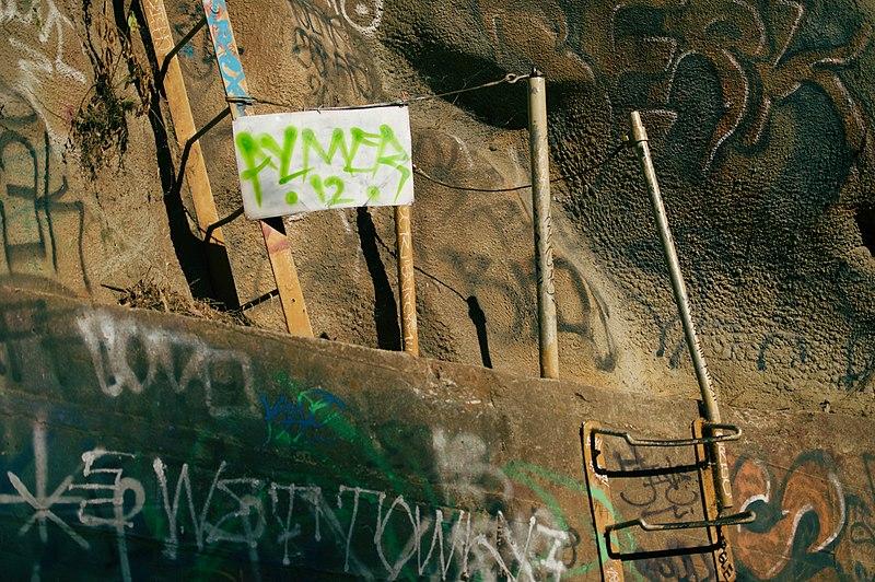 File:Devil's Gate Dam, Altadena and Pasadena area, Los Angeles, California 23.jpg