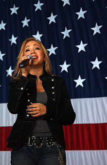 Diana DeGarmo with flag.jpg