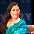 Diana Gabaldon 2014 in New York (cropped).png