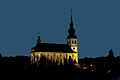 Die Sankt Remigius Kirche in Koerich bei Nacht.jpg