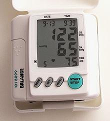 أصابع يديك ... مابها من أسرار   - صفحة 4 220px-Digital_Blood_Pressure_Monitor