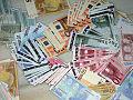 Dinero-billetes-y-monedas-euro.jpg