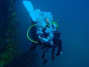 Scuba set - Diving with a recreational open-circuit scuba set