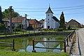 Dobrá Voda (okres Žďár nad Sázavou) - náves s kaplí a nádrží obr02.jpg