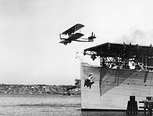 Douglas DT-2 taking off from USS Langley (CV-1) on 2 April 1925 (NH 93180).jpg