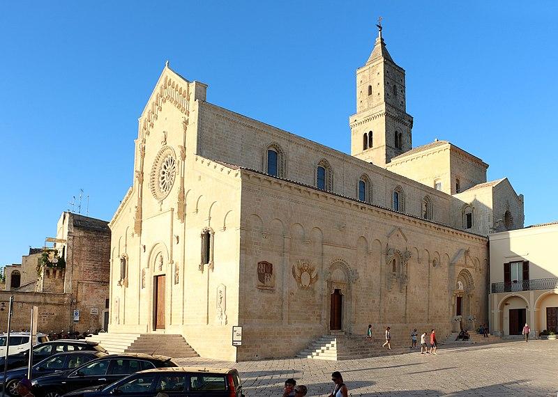 File:Duomo di matera, esterno 01.jpg