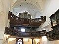 Dwukondygnacyjny chór w kościele św. Katarzyny Aleksandryjskiej w Bierutowie.jpg