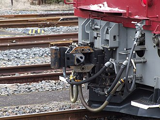 Dual coupling - Image: EF81 141 soutou