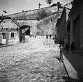 Eger, Tinódi Sebestyén (XI. Ince pápa) tér, szemben a Vár. Balra Pléh István aztalos géperőre berendezett üzeme. Fortepan 55938.jpg