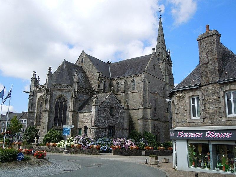 Église Saint-Alban d'Elven - Place de l'Église