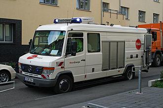 Mercedes-Benz Vario - Image: Entstoerfahrzeug 07 07 01