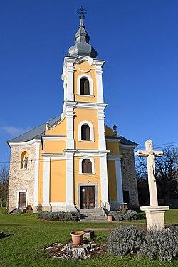 Erdősmecske, római katolikus templom 2020 01.jpg
