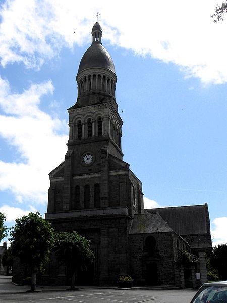 Église Notre-Dame-de-l'Assomption d'Ernée (53). Façade principale.