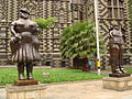 Estátuas de Botero em frente ao Palácio de Cultura (Botero's in front of Culture Palace).jpg