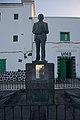 Estatua de Blas Cabrera Felipe.jpg