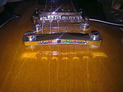 Estremità corde colorate chitarra
