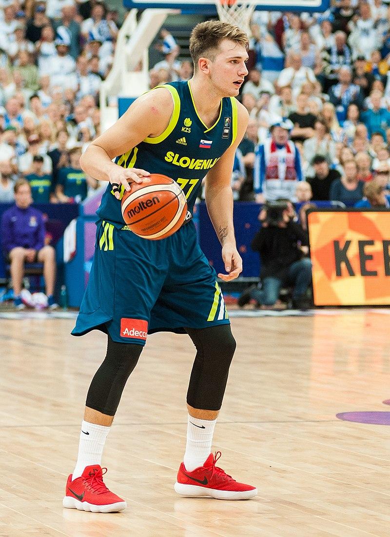 Luka Dončić 800px-EuroBasket_2017_Finland_vs_Slovenia_66_%28cropped%29