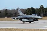 F-16 Fighting Falcon 150206-Z-WT236-063.jpg