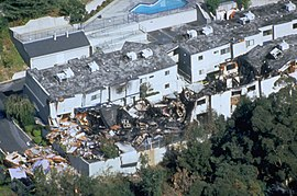 FEMA - 1681 - Photograph by FEMA News Photo taken on 01-17-1994 in California.jpg