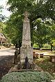 FR48 Fraissinet-de-Fourques Monument aux morts.JPG