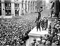 Fairbanks and Chaplin, Wall Street Rally, New York Times, 1918.JPG