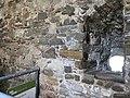 Feritoia nel castello di Pietrapertosa 2.jpg