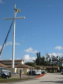 Radio masts and towers - Wikipedia