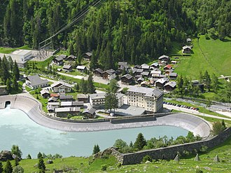 Fionnay - View of Fionnay and the power station