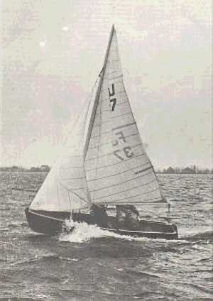 Flying Junior - Coen Gulcher helming one of the first Flying Juniors (1955)