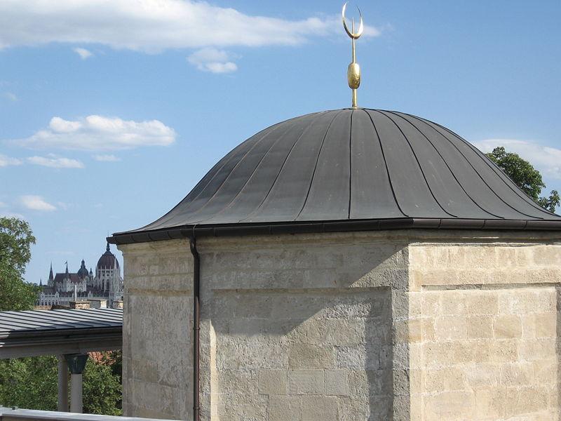 File:Gül Baba 3.JPG