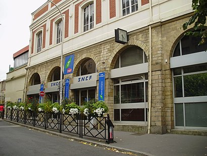 How to get to Gare De Courbevoie with public transit - About the place