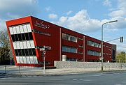 Gebaeude Lore Lorentz 2 der Lore-Lorentz-Schule in Duesseldorf-Eller, von Suedwesten