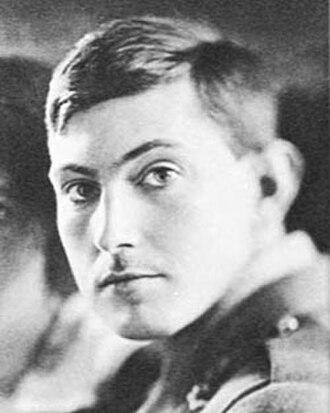 George Mallory - Image: George Mallory 1915