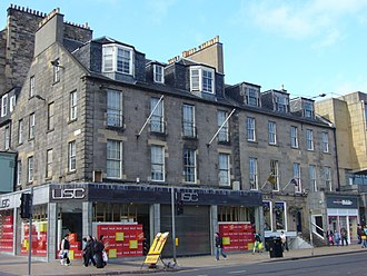 New Town, Edinburgh - Surviving Georgian buildings in Princes Street