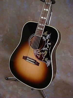 Gibson Hummingbird - Image: Gibson Hummingbird 2008 Vintage Sunburst