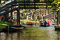 Giethoorn Netherlands Channels-and-houses-of-Giethoorn-07.jpg