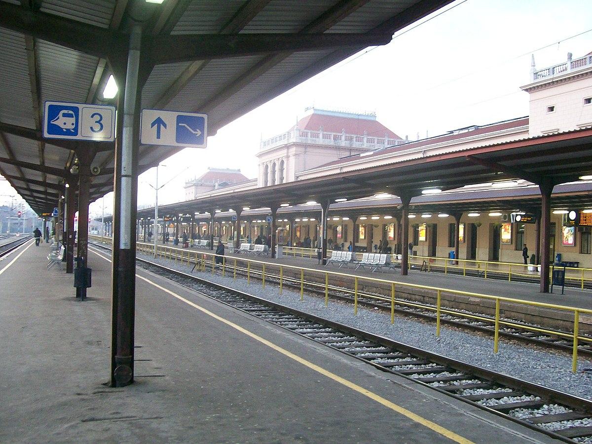 File Glavni Kolodvor Zagreb Jpg Wikimedia Commons