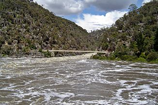 Hochwasser im South Esk River in der Cataract Gorge